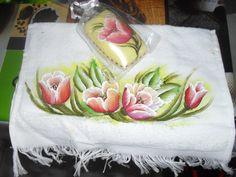 kit de toalha de rosto com sabonete pintado