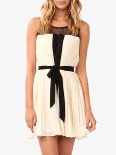 Stunning & Affordable ladies fashion clothing online at Jumpo London. Bringing you the best & trendiest ladies fashion online. Browse through our Online store now!