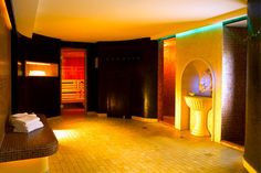 Saunen & Dampfbäder im Skihotel Edelweiss in Tirol Hotel Edelweiss, Home Decor, Steam Bath, Winter Vacations, Decoration Home, Room Decor, Home Interior Design, Home Decoration, Interior Design