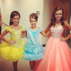 Pictured on the right in pink is Payton Logan Runner up in the 2013 Preteen Pictured on the right in pink is Payton Logan Runner up in the 2013 Preteen - Preteen Clothing Glitz Pageant Dresses, Pagent Dresses, Little Girl Pageant Dresses, Cute Girl Dresses, Girls Formal Dresses, Cute Girl Outfits, Pretty Dresses, Flower Girl Dresses, Pagent Hair