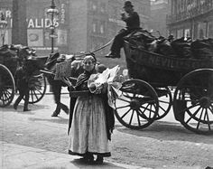 Paul Martin, A magazine seller at Ludgate Circus London, UK The Origins of Street Photography in London Victorian Street, Victorian Life, Victorian London, Vintage London, Old London, Victorian History, London City, Vintage Pictures, Old Pictures