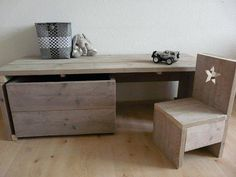 undefined Mini Office, Office Desk, Baby Bedroom, Kids Bedroom, Diy Furniture Projects, Woodworking Projects, Pretty Room, Kid Spaces, Boy Room