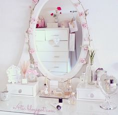Image about cute in room 💌 by mia ️ on We Heart It My New Room, My Room, Girl Room, Kawaii Room, Teen Girl Bedrooms, Dream Rooms, Bedroom Decor, Interior Design, Stay Classy
