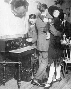 Dancing to the radio, 1920s