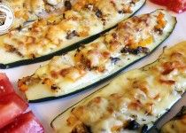 Zucchini Pizzen No Carb Recipes, Healthy Recipes, Zucchini Aubergine, Lunches And Dinners, Meals, Low Carb Pizza, Fitness Dessert, Veggies, Healthy Eating