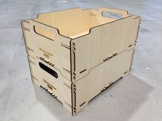 The material is plywood 4mm