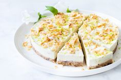 Vegan kokos limoencheesecake – Zoetrecepten – Famous Last Words Lime Cheesecake, Vegan Cheesecake, Vegan Cake, Vegan Desserts, Healthy Cake, Healthy Sweets, Vegan Baking, Healthy Baking, Sweet Recipes