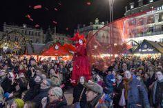 Déambulation de la compagnie Mademoiselle Paillette pour l'inauguration des illuminations. (Photo: Thierry Bonnet/Ville d'Angers)