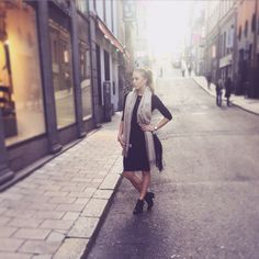 Black dress (topshop) Shoes (Din sko) Scarf (WERA)
