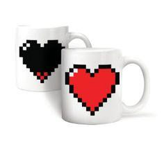 Nie lada gratka dla zakochanych. Po zalaniu wrzątkiem, w serduszku pojawia się czerwony kolor. Fajny prezent na walentynki.
