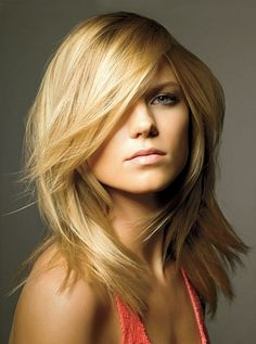 love the cut, wish I had the hair texture to keep this looking sleek