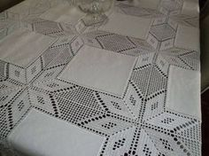 This post was discovered by (K Filet Crochet, Crochet Motif, Crochet Designs, Crochet Doilies, Crochet Stitches, Crochet Bedspread, Crochet Fabric, Crochet Tablecloth, Crochet Home