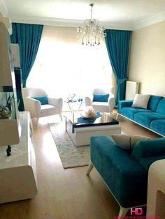 31 Living Room Color Schemes Ideas To Looking wider Living Room Design Living Room Turquoise, Living Room White, New Living Room, Living Room Sofa, Interior Design Living Room, Living Room Designs, Turquoise Couch, Apartment Living, Interior Livingroom