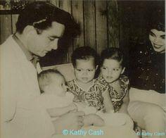 Johnny & Vivian Cash with three of their daughters Johnny Cash June Carter, Johnny And June, Johnny Cash Daughter, John Cash, Johnny Cash Museum, Ken Burns, Carter Family, Kris Kristofferson, Waylon Jennings
