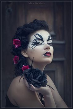 tell me this wouldn't look lovely with a half-face masquerade mask! Oh- that gives me ideas...