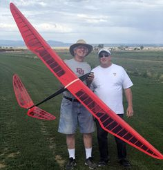 Paper Airplane Models, Model Airplanes, Rc Model Aircraft, Rc Plane Plans, Rc Glider, Easy Paper Crafts, Vintage Models, Gliders, Hobbies