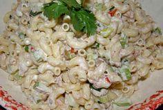 Ensalada de coditos (pollo rostizado, lechuga, zanahoria, elote, apio, mayonesa)