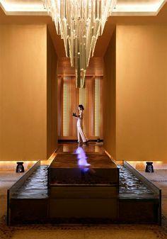 Sheraton Ningbo Hotel—Water Feature in the Corridor   Flickr – 相片分享!