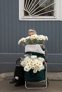 Flower vendor in Moscow