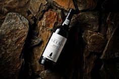 VOLTA Branding & Digital Studio - Sandeman Quinta do Seixo — World Packaging Design Society / 世界包裝設計社會 / Sociedad Mundial de Diseño de Empaques Beverage Packaging, Brand Packaging, Wine Brands, Bottle Labels, Wine Labels, Creative Industries, Bottle Design, Packaging Design Inspiration, Branding Design
