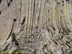 Si has visto la película Encuentros en la tercera fase (Spielberg, 1977) seguro que te suena esta espectacular formación de basalto.      ...