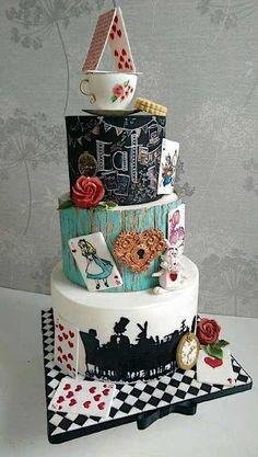 Cake Wrecks - Accueil - Sunday Sweets: More Wonderland Weddings Alice In Wonderland Tea Party Birthday, Alice In Wonderland Cakes, Wonderland Party, Pretty Cakes, Beautiful Cakes, Amazing Cakes, Disney Desserts, Disney Cakes, Wedding Cakes With Cupcakes