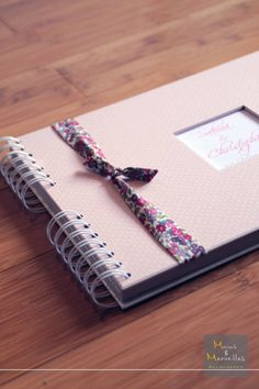 Livre d'or Liberty party rose http://www.mainsetmerveillesdeco.fr/livre-dor-liberty-party-rose/