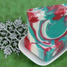Cold Process Oven Process (CPOP) -  Swirls Snowflake w/ Recipe (I am favoring CPOP because you can make pretty CP soaps and speed up the curing time like HP. Interesting. - Deb)