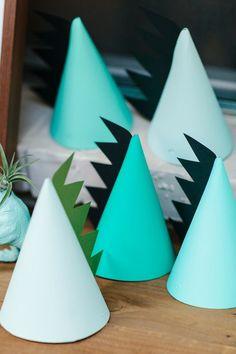 DIY Dinosaur party hats | Jennifer Laura Design | Kristen Curette Photography | 100 Layer Cakelet #partyhats #diy #kids #parties