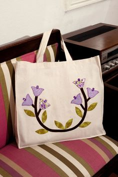 Ecobag tote with patchwork applique