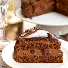 The best Chocolate Cake with Cherries (in Romanian)