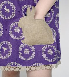 Bunny pocket! So cute!  Great for an apron, dress, skirt or even a top with a little pocket.  Now how 'bout a kitty pocket?