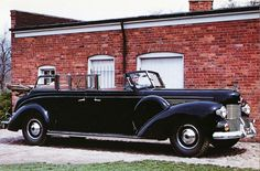 """1939 Lincoln """"Sunshine Special"""" Presidential Limousine.  A 1942-style grille was later added to this custom-built 1939 Lincoln Convertible Sedan. It was the official car of Presidents Franklin D. Roosevelt and Harry S. Truman."""