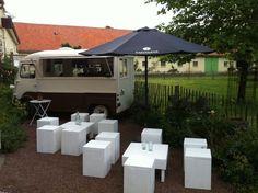 Taeymans Mobile Espressobar, Amsterdam. Love the pop up tables