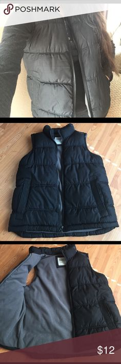 ✨Cute Old Navy Vest✨ Cute black puffy Old Navy vest with grey fleece lining! It is a size medium, in great used condition! No rips, holes or stains 🙌. So easy to match and perfect for spring weather 👌👍. Thanks for shopping my listings ❤️❤️ Old Navy Jackets & Coats Vests