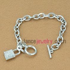 Delicate rhinestone lock model chain link bracelet
