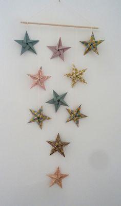 mobile 10 étoiles en origami pour décoration murale chambre bébé fille enfant - rose, or, turquoise,noir : Jeux, peluches, doudous par papierelief