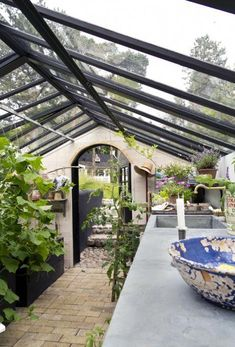 Rainfall and snow in your backyard landscaping – Greenhouse Design Ideas Indoor Vegetable Gardening, Greenhouse Gardening, Back Gardens, Outdoor Gardens, Amazing Gardens, Beautiful Gardens, Outdoor Spaces, Outdoor Living, What Is A Conservatory