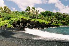 Waianapanapa Black Sand Beach, Maui; Hana Highway