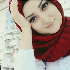 Hijab Dp, Muslim Hijab, Hijab Chic, Beautiful Muslim Women, Beautiful Hijab, Gorgeous Women, Arab Girls Hijab, Muslim Girls, Hijabi Girl