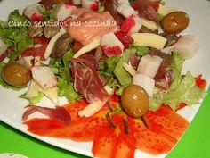 Cinco sentidos na cozinha: Salada simples de delícias do mar com molho de vin...