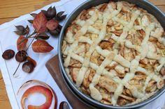 Der beste Apfelkuchen der Welt schmeckt herrlich saftig und fruchtig nach Apfel. Er ist schnell und leicht gemacht und passt super auf die Kuchentafel.