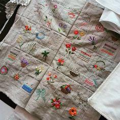 #Embroidery#stitch#needlework#stitch  sampler #프랑스자수#일산프랑스자수#자수타그램#자수#기본스티치북 #한 권의 책으로‥ 또는 벽걸이스타일로도 완성해볼 수있는 초급과정 스티치샘플러~