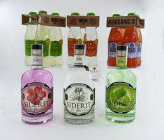 Seguimos con los descuentos en los refrescos de @indi_essences  lemon, tónica y strawberry!! 🍓🍋 y @sideritgin de hibiscus, classic y gingerlime 🍋🌸🍸🍹 tienen también un descuento aplicado, por 29,95 € gastos de envío incluidos puedes tener en tu casa cualquiera de ellas.  Haz tus propios combinados en casa con el mejor producto al mejor precio!! 😉 Gin, Water Bottle, Drinks, Shopping, Gourmet, Home, Appliques, Drinking, Water Flask