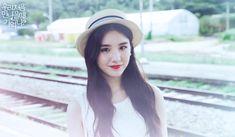 Wow!!! HeeJin é muito linda ❤❤❤