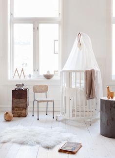 "Project Nursery - Stokke Sleepi Crib System ""The Stokke Sleepi is a 4-in-1 sleep system that can grow with your child from birth to about ten years old—now that's what we call a solid investment.""  via @projectnursery"