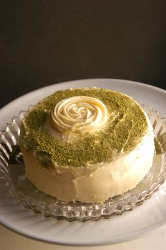 Green Tea Layer Cake with Honey Buttercream. #food #matcha #cakes #desserts