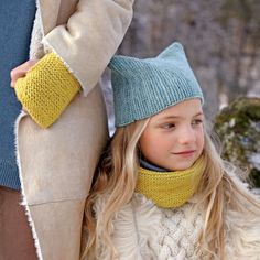 These knitted scarf projects are perfect for beginning knitters. They make great gifts -- or you can keep them for yourself.