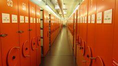 Vaikka Ylen laaja äänitearkisto sijaitsee Radiotalossa aivan Klassisen musiikin toimituksen vieressä, ei arkistohyllyjen rullaaminen kuulu musiikkitoimittajan työhön, sillä kaikki materiaalit löytyvät digitaalisina.