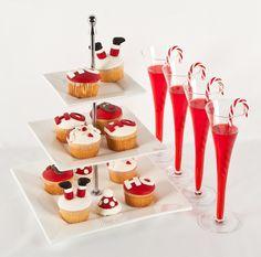 Cupcakes y un delicioso coctel para recibir la Navidad. Las copas largas darán un hermoso toque a tu celebración.
